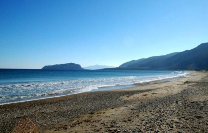 Praia Kastraki