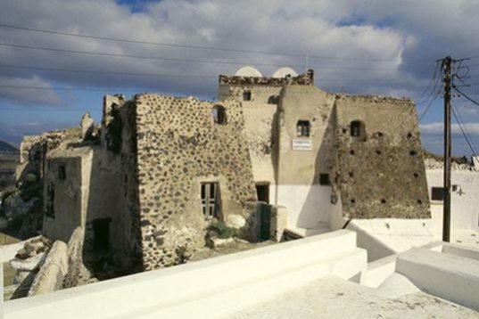 castelo akrotiri santorini