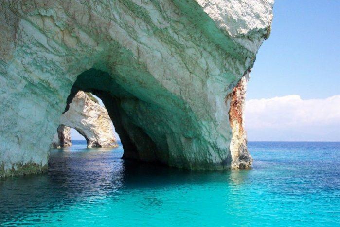 as cavernas azuis zaquintos