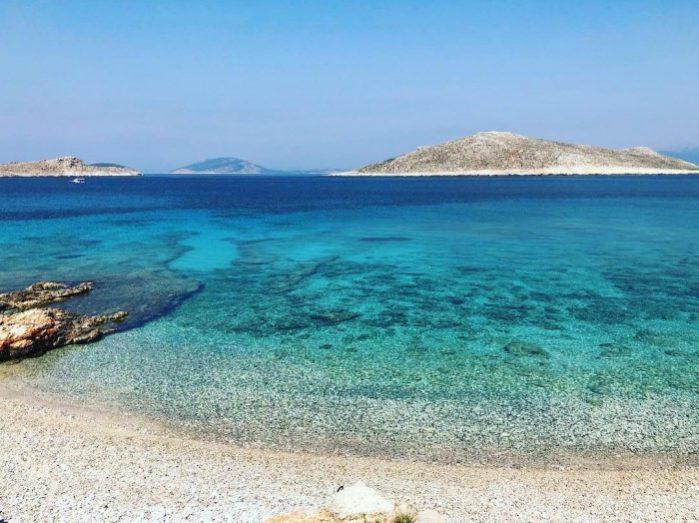 praias chalki grecia